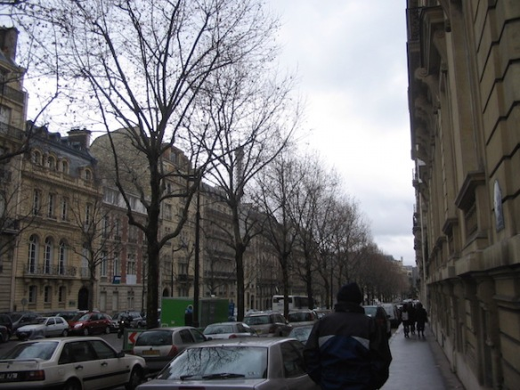 Walking through Chaillot, following the Eiffel Tower. Can you see it?