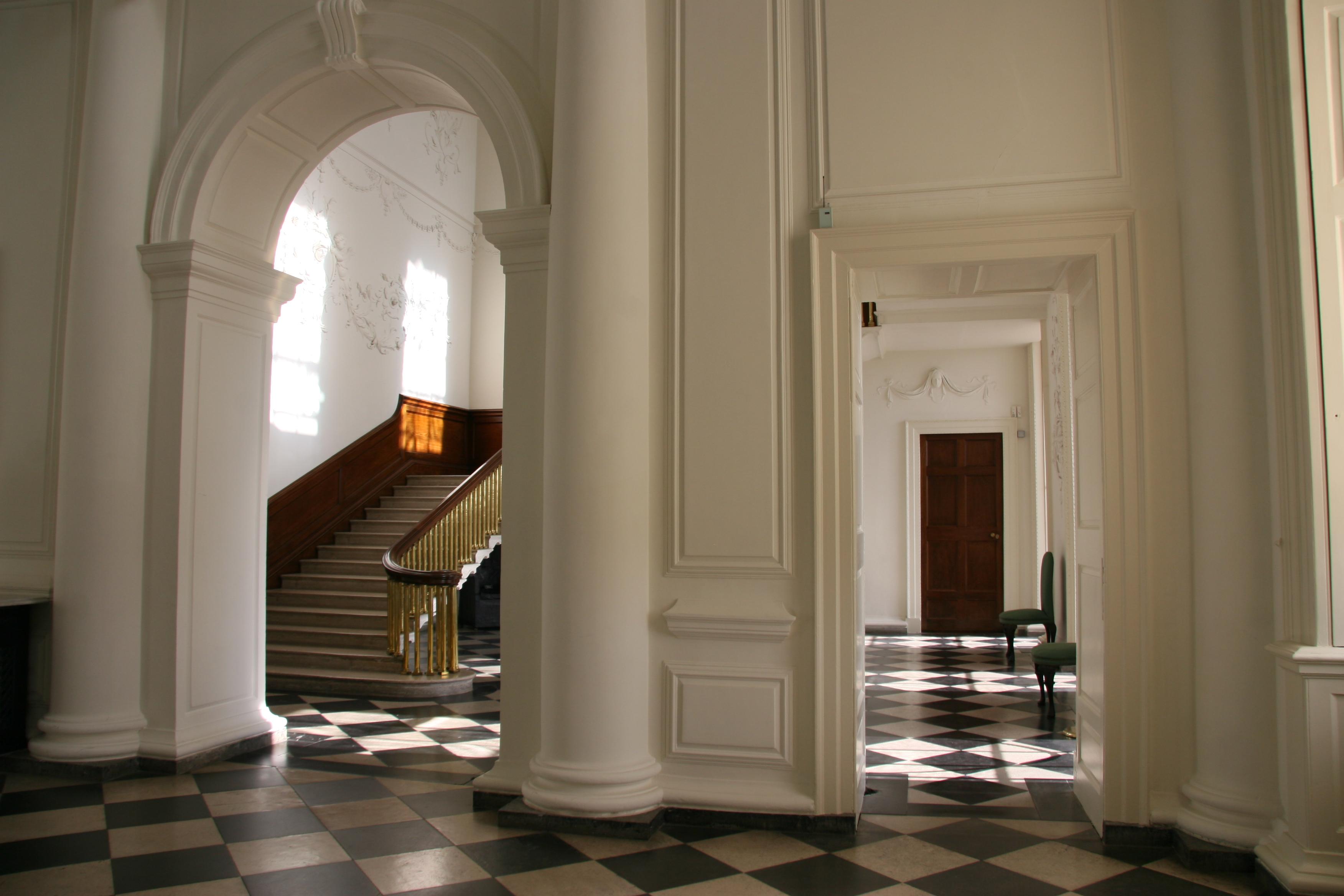 Castletown house wanderlustful - Decoracion de hall ...