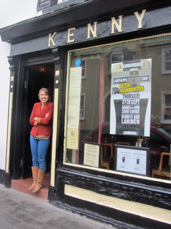 The Kenny public house on Main Street in Lahinch. Highly recommended. (Jill's photo.)