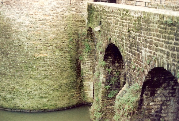 The castle sits in one corner of the town's fortifications. We crossed this bridge. See the moat?