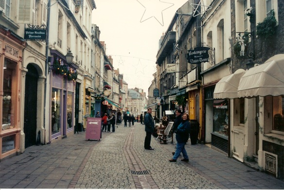 Another street scene in Boulogne. It was Tuesday afternoon, not particularly busy.