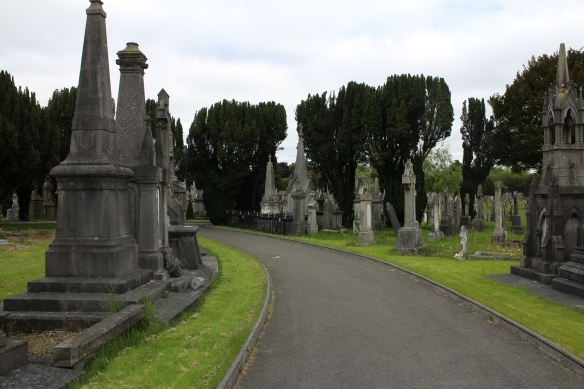 I took lots of photos at Glasnevin; these are just a few. Please remember they belong to me.