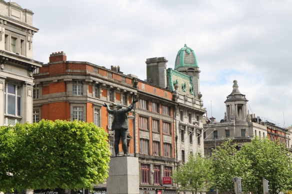 Looking on up O'Connell Street.