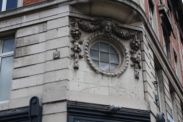 I love the decoration on the old buildings.