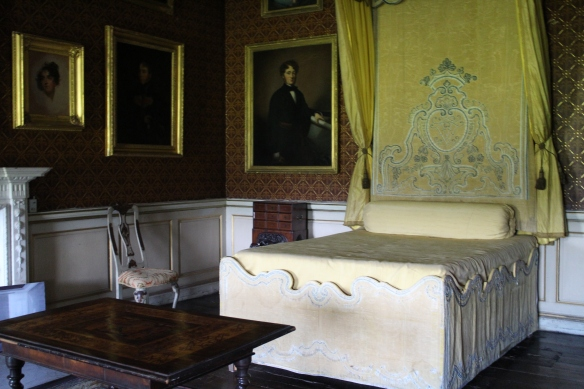 The Conolly bedroom, where the Speaker received morning guests in the manner of the French court. I guess when you had a fancy wig you didn't need to worry about bed head. :)