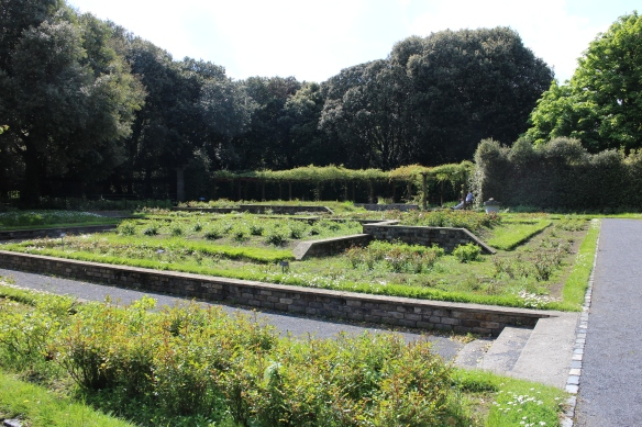 The sunken garden was a little shaggy; again, that late spring.