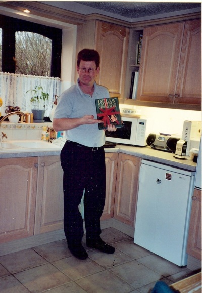 Someone's in the kitchen with Delia … Delia Smith, that is. And yes, I returned to the States with a Delia Smith cookbook. :)