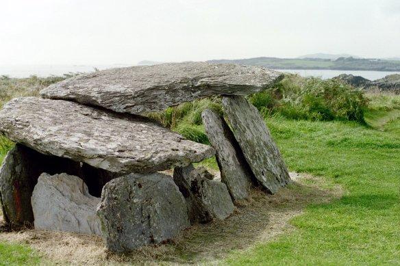 Toormore altar grave, 2003.
