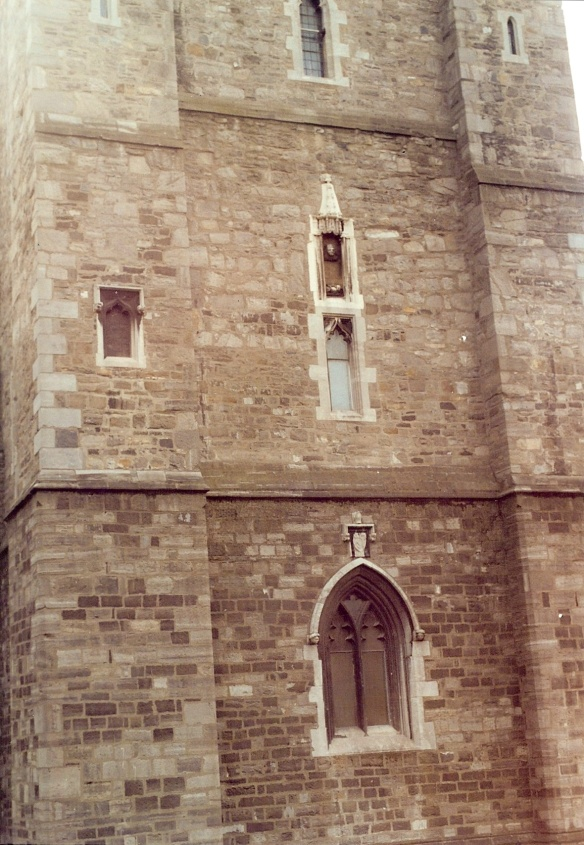 I was fascinated by all these little windows. (Don't forget you can click to enlarge and zoom in.)