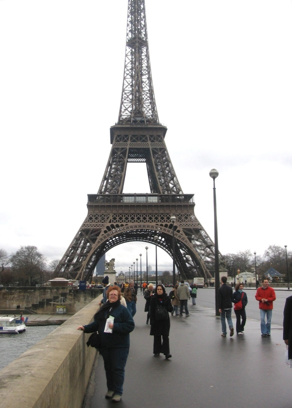 Me. In Paris! Can you believe it, y'all? I couldn't. February 2006.