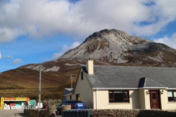 Here we'd driven halfway around Errigal; the gentle slope that disappears at the right of this frame is where we took the previous shot. Can you imagine having this in your—ahem—backyard? We filled up the car here.
