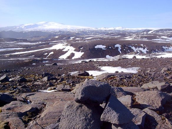 Hekla volcano in 2006 (photo from Wikipedia, used under a Creative Commons license).
